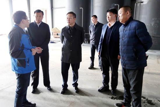 张恩亮深入企业和宗教场所调研