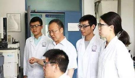 南开大学陈永胜教授团队研制出新石墨烯三维多孔载体 可延长锂电寿命