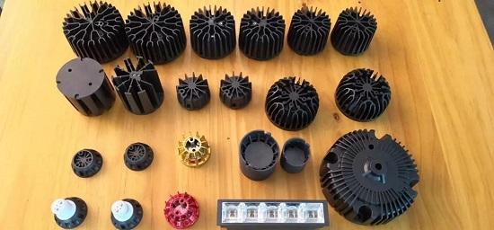厦门凯纳光亚展展出石墨烯碳塑合金散热方案,关注度火爆