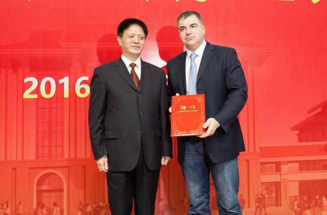 福建省石墨烯产业技术创新战略联盟揭牌成立