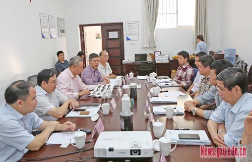 石墨烯三维构造粉体材料领域广西地方标准审定会在广西大学召开