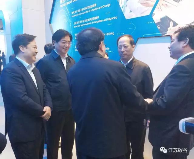 省长石泰峰考察碳谷科技石墨烯产品及下游应用