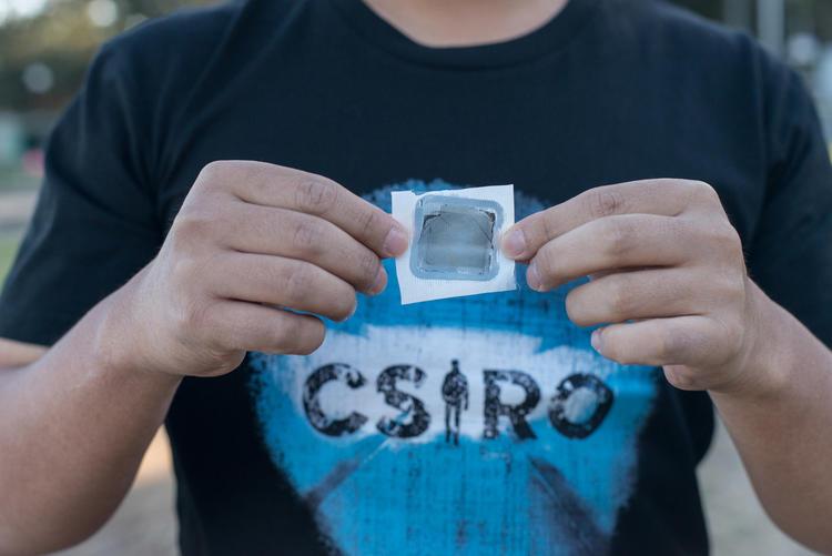 澳大利亚科学家发明了新净水系统,用石墨烯制成