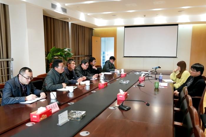 常州轻工职业技术学院科技处带队赴江南石墨烯研究院洽谈对接