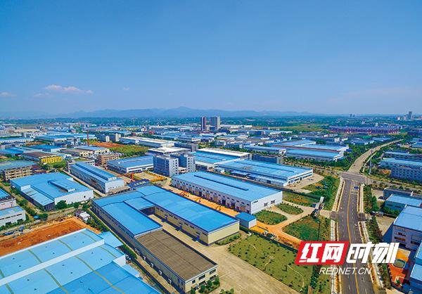 ▲-如今的浏阳高新区厂房鳞次栉比.jpg