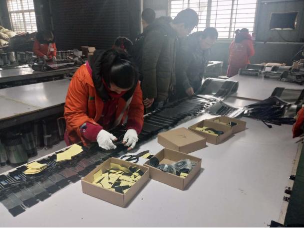 陕西延安蓝卫科技考察团赴暖季地暖工厂总部考察