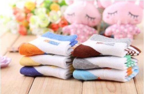 诸暨锐锋纺织打造能量袜子 免疫保健除臭取暖