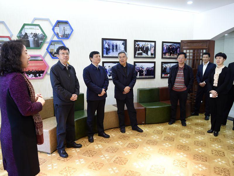 七台河市领导一行赴哈尔滨理工大学考察调研