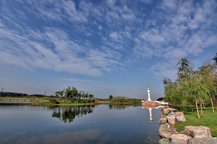 经两年截污清淤生态修复 建成区57条黑臭水体全还清