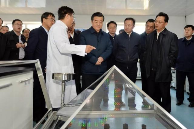 """如何推进龙江石墨产业发展 庆伟书记提出""""四个要""""!"""