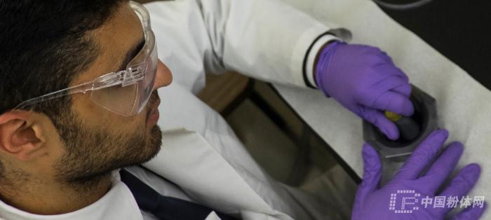 美材料学家利用碳纳米管成功制备纳米带