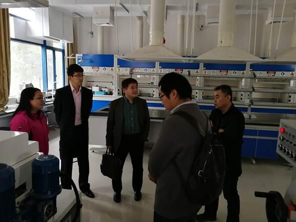 国际石墨烯产品认证中心来顺德职业技术学院调研