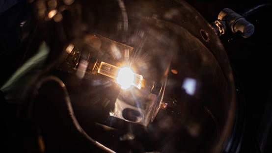 """读别人的Science,发自己的Nature:灵光一""""闪""""的石墨烯制备新方法"""